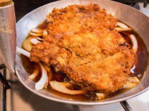 1から作るカツ丼 煮汁は当然園食堂直伝