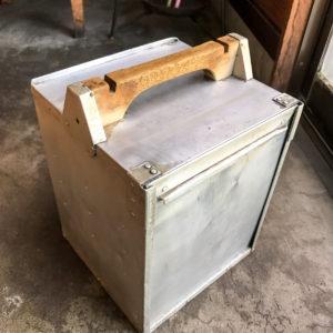 園食堂 昭和40年代から在り続ける出前箱